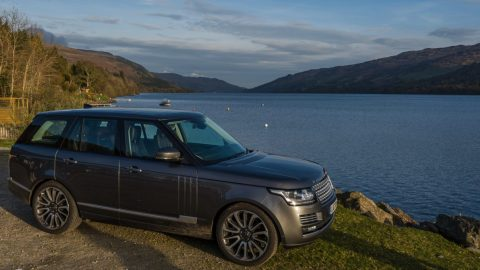 Land Rover Range Rover Vogue SE (4 Passengers plus driver/guide)